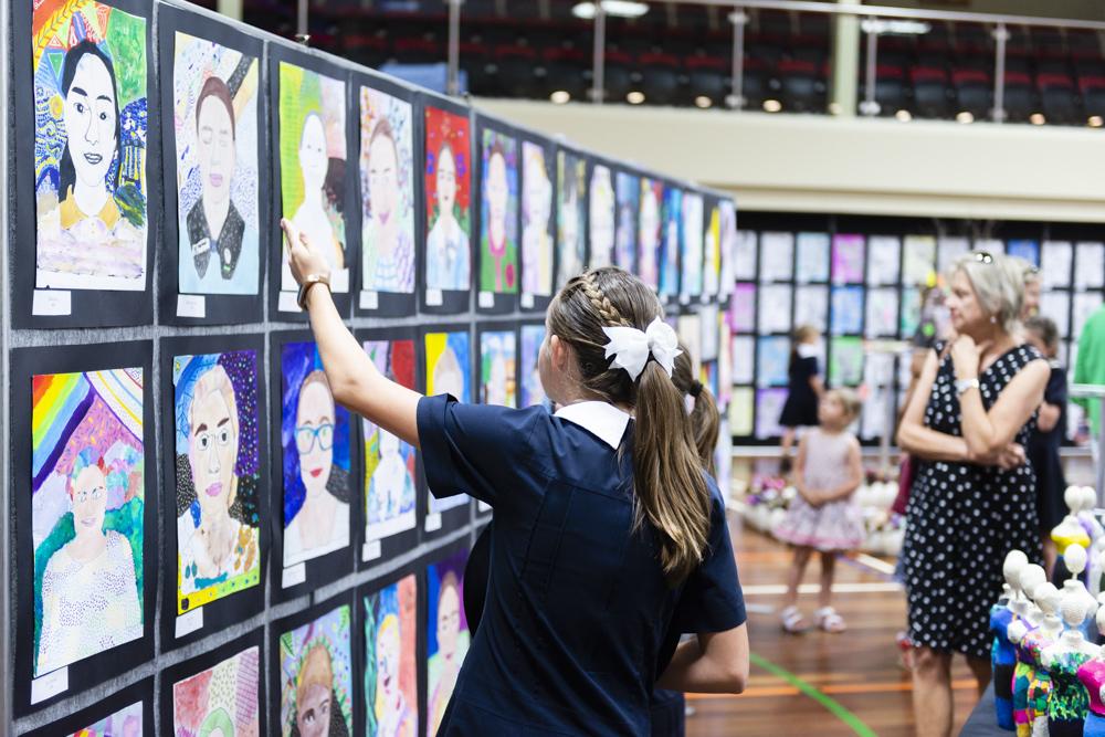 2019_10_16_STA_GLOW_Art_Exhibition_LowRes_DSC6060